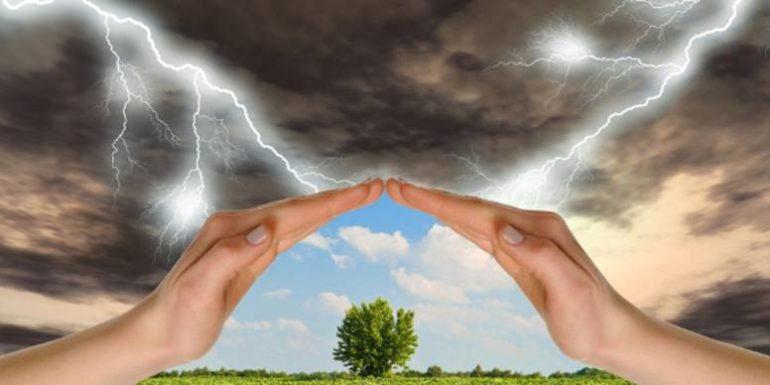 На человека очень влияют резкие смены погоды